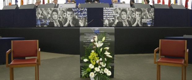 Saharov Ödülü İranlı iki muhalife
