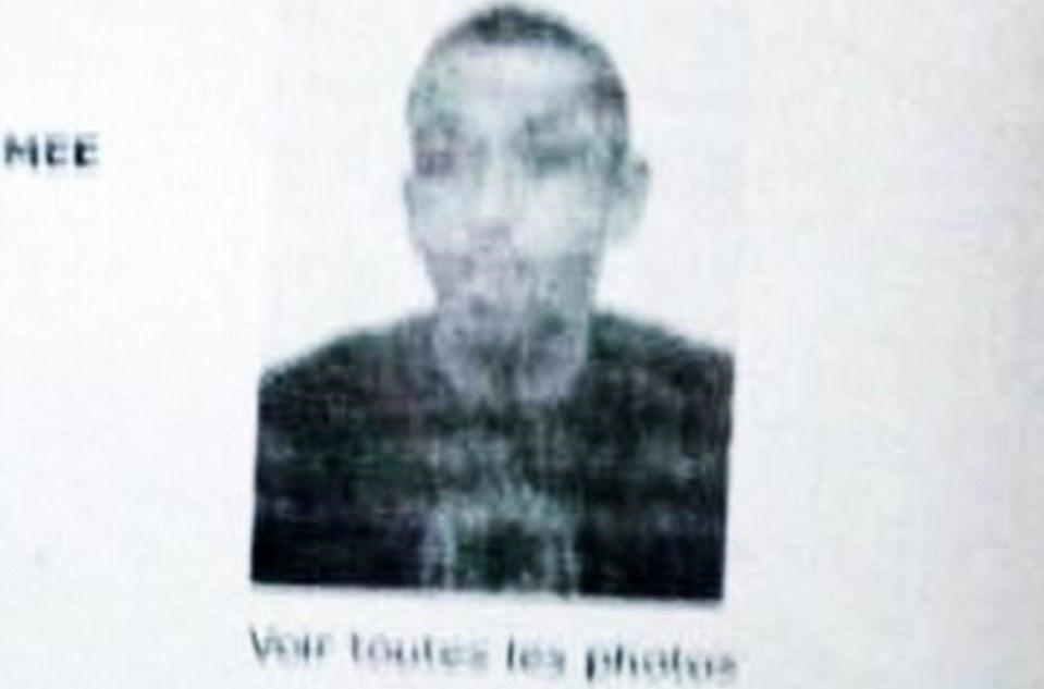 Paris'in ünlü caddesinde dün bir polisi öldüren ve iki polisi yaralayan saldırganın 2001 yılında polise yönelik saldırıda 20 yıl ceza aldığı belirtildi. Saldırganın gerçek isminin Kerim Şerfi olduğu belirtiliyor.
