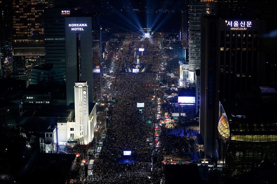 Choi-gate skandalıyla sarsılan ülkede gösteriler devam etmekte.