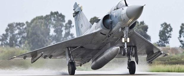 yunanistan savaş uçağ yas130418.jpg