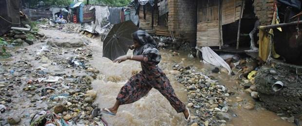 Sel bu kez de Hindistan'ı vurdu