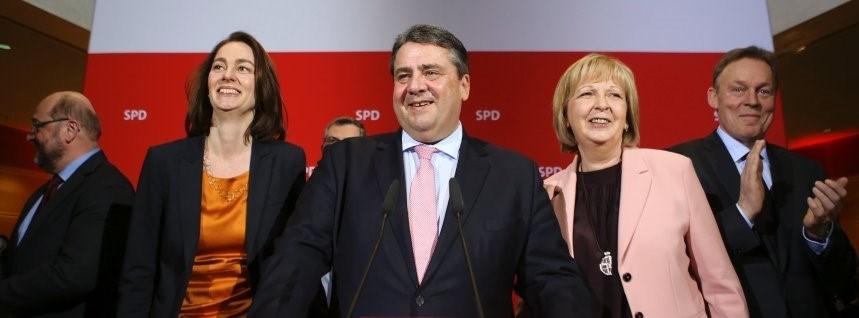 Sosyal Demokrat Parti Genel Başkanı Sigmar Gabriel Rheinland-Pfalz'daki seçim başarısından sonra basın toplantısı düzenledi.