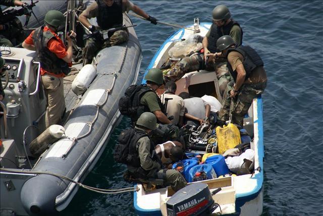Somalili korsanlara operasyon