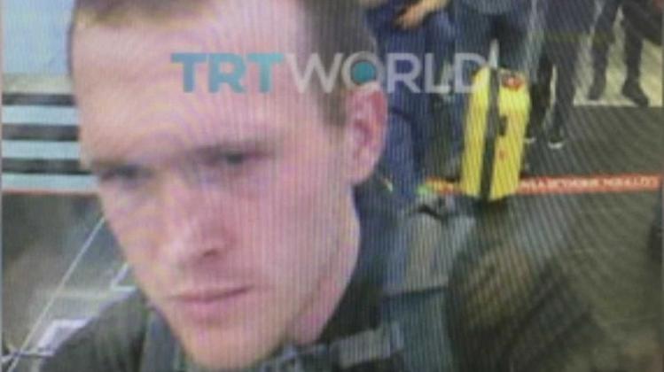 TRT World, teröristin Türkiye'ye giriş anını yayınladı.