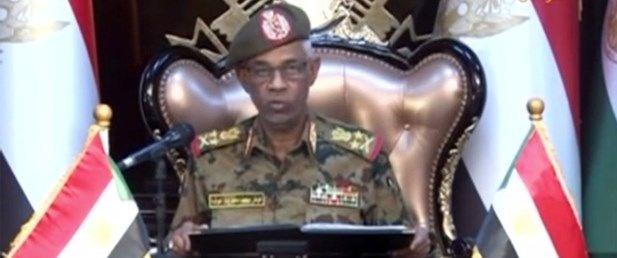 sudanda-askeri-gecis-konseyi-lideri-yemin-ederek-goreve-basladi,TT5q0ZzjSkiWNqYy5bgF6g.jpg