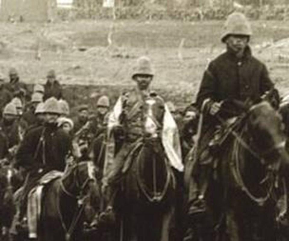 Mehdi Ayaklanması sırasında İngiliz askerleri.
