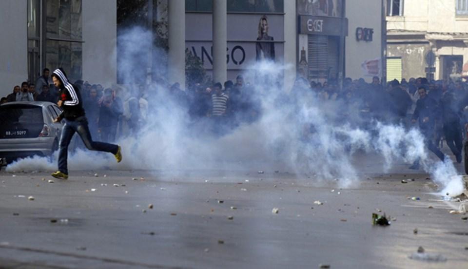 Beliyd'in suikaste kurban gitmesi sonrasında sokaklar karıştı. Polis ile göstericiler arasında çatışmalar yaşandı.