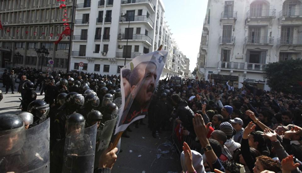 Suikast sonrası halk ve polis karşı karşıya geldi.