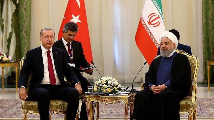 Zirve öncesi Cumhurbaşkanı Erdoğan ilk ikili görüşmeyi evsahibi İran'ın Cumhurbaşkanı Ruhani ile yaptı.