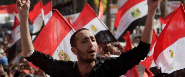 Tahrir'de 'ikinci devrim' sesleri