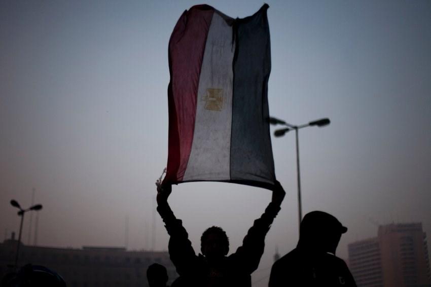 Tahrir'de tansiyon düşmüyor