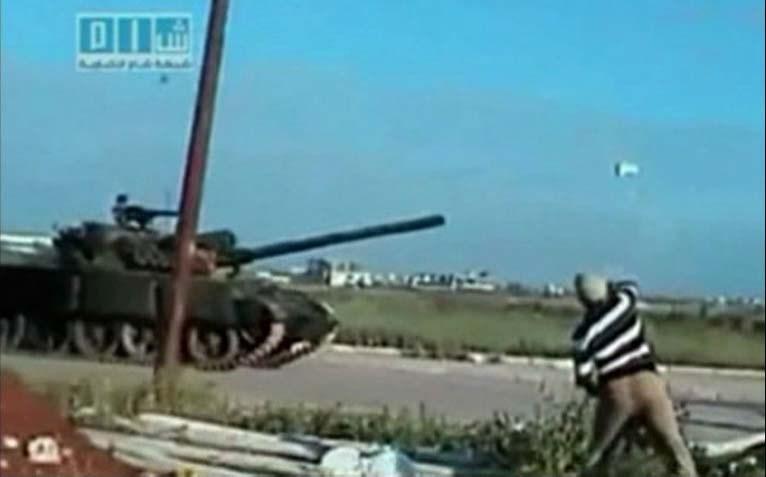 Tanklar isyanın merkezinde