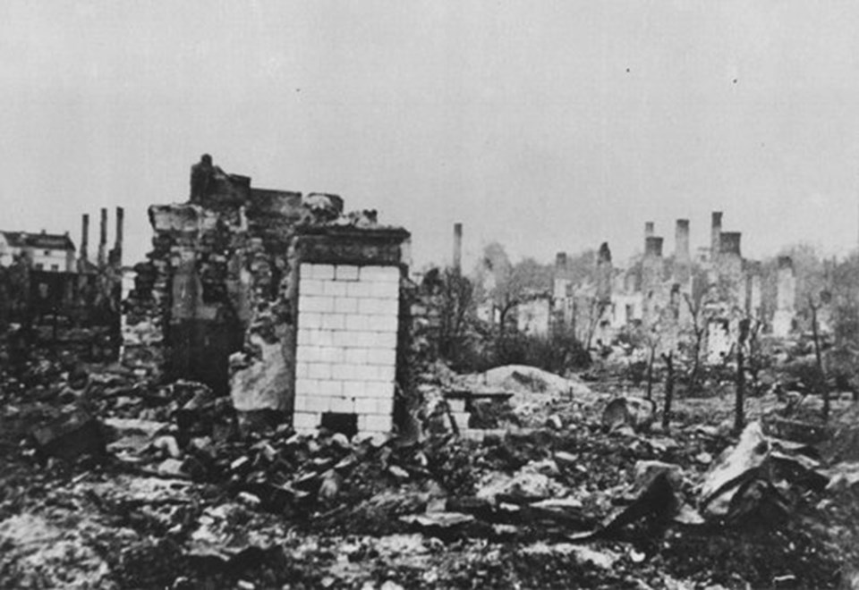 a history of the fall of germany in world war one A color photograph of the bombed-out historic city of nuremberg, germany in june of 1945, after the end of world war ii nuremberg had been the host of huge nazi party conventions from 1927 to 1938.
