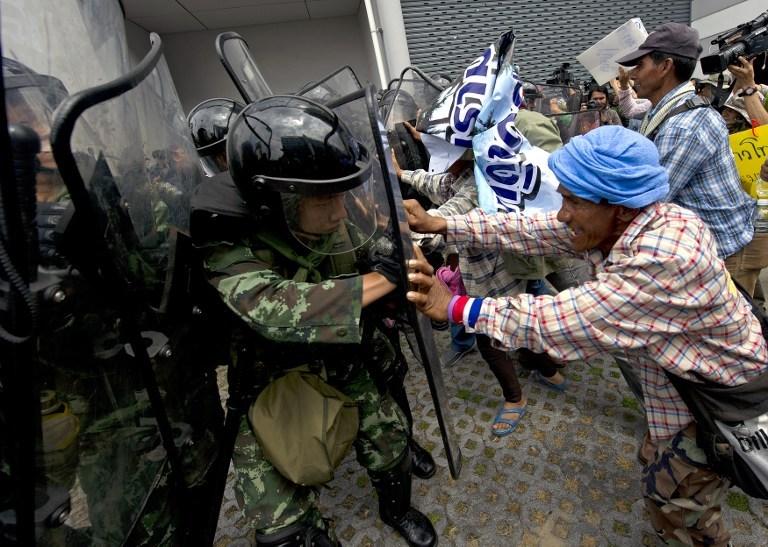 Tayland'da 15 bin polis operasyonda