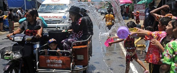 Tayland su festivali.jpg