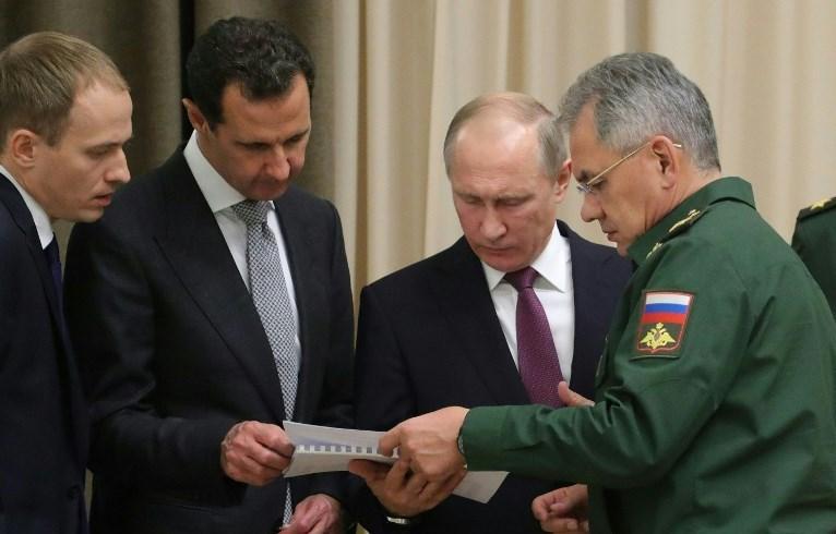 Trump'ın Suriye'ye füze saldırısı düzenleneceği tehdidine Rusya Devlet Başkanı Vladimir Putin ve Suriye Devlet Başkanı Beşşar Esad henüz tepki göstermedi.
