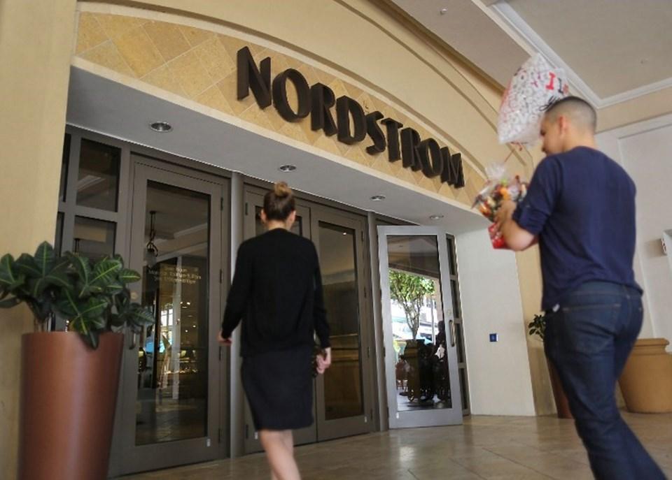 Ivanka Trump'ın kreasyonlarını satmama kararı alan Nordstrom şirketi ABD Başkanı Donald Trump tarafından hedef alındı.
