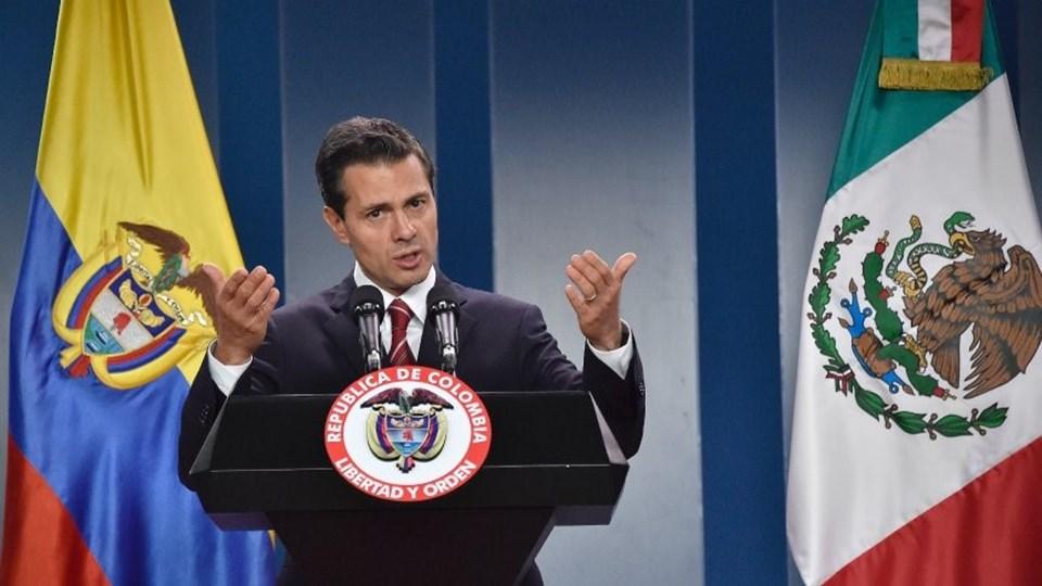 Meksika Devlet Başkanı Nieto, Trump'ın sınıra duvar kararına tepki gösterdi. Nieto'nun Washington ziyaretini iptal edip etmeyeceği merakla bekleniyor.