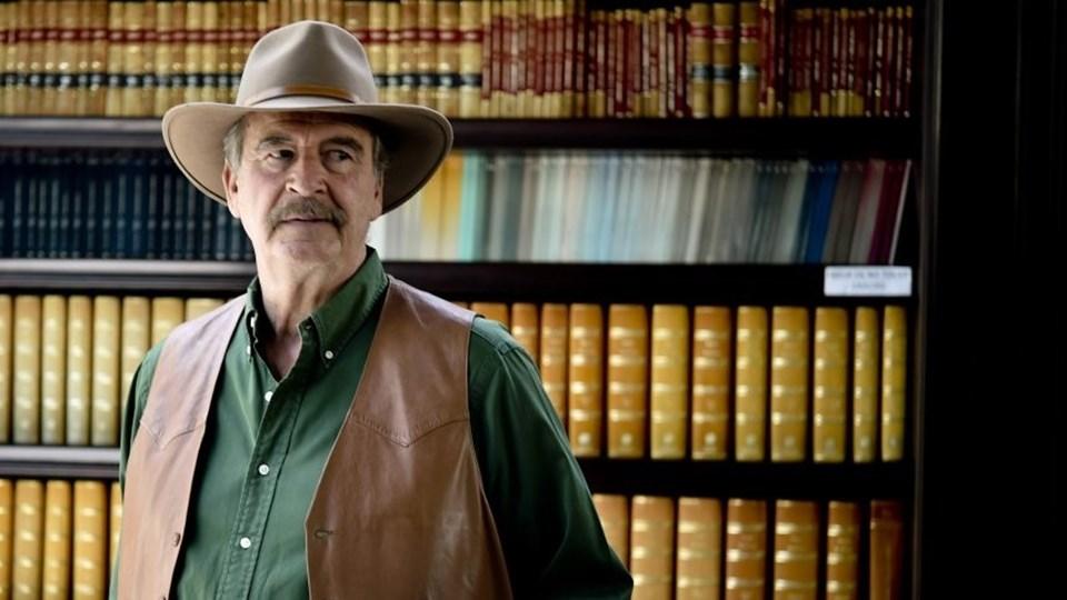 Meksika eski Devlet Başkanı Vicente Fox da Trump'ın duvar kararına Twitter hesabından sert tepki gösterdi.