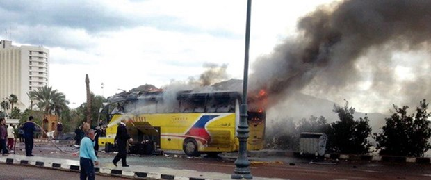 Turist otobüsüne saldırı: 3 ölü