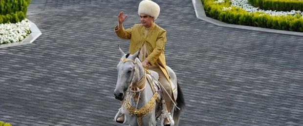 türkmenistan devlet başkanı070819.jpg