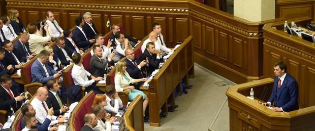 ukrayna parlamento devlet başkanı100919.jpg