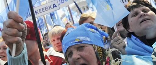 Ukrayna'da muhalefet sokaklara döküldü