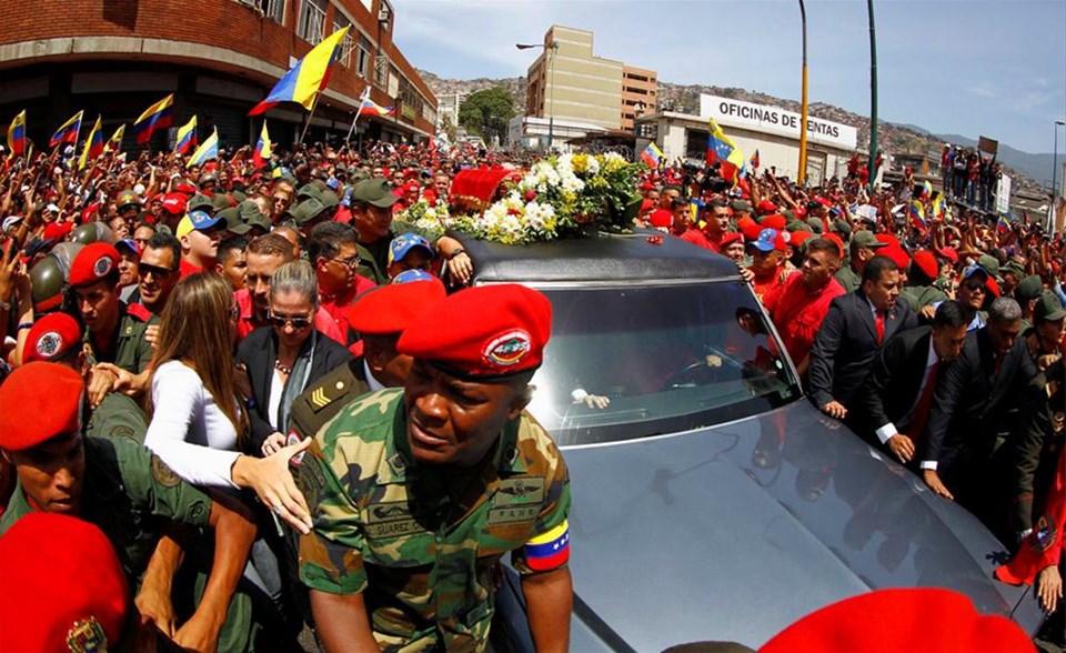 Venezuela lideriyle vedalaşıyor