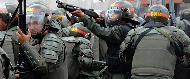venezuela asker gözaltı maduro120517.jpg
