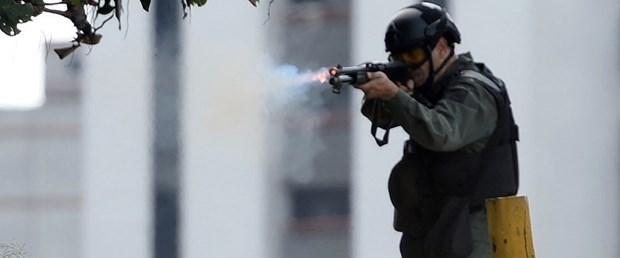 venezuela askeri ayaklanma060817.jpg