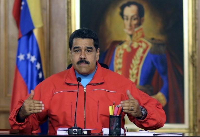 Venezuela'da Sosyalistler 17 yıl sonra yenildi