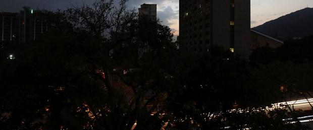 2019-03-08T004034Z_949350810_RC170A3D7560_RTRMADP_3_VENEZUELA-BLACKOUT.JPG