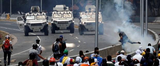 2019-04-30T160500Z_1305217234_RC175E4A6260_RTRMADP_3_VENEZUELA-POLITICS.JPG