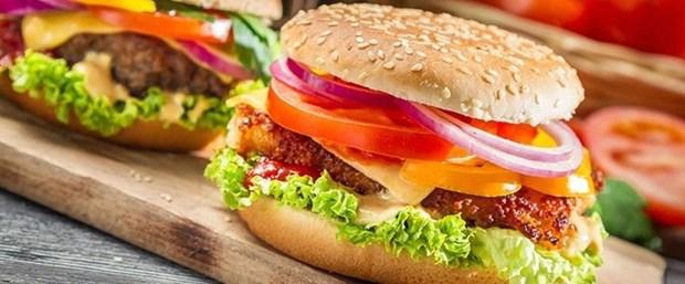 cocugunuzu-anne-hamburgeriyle-tanistirin_1478291_720_400.jpg