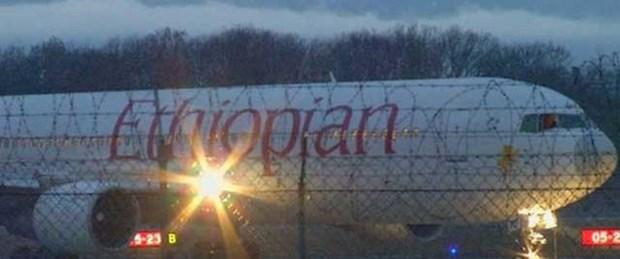 Yardımcı pilot uçak kaçırdı