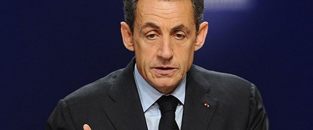 Yarışı Sarkozy kazandı