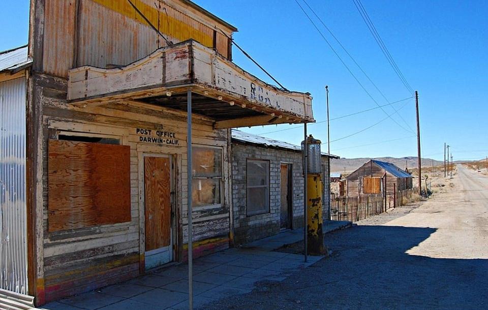 Yaşlı ve unutulmuş kasaba