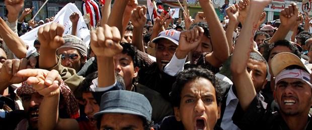 'Yemen'de göstericiler bombalandı'