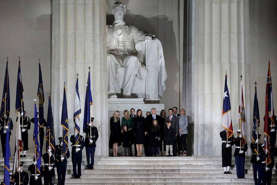 Donald Trump yemin töreni için Washington'a ailesiyle birlikte geldi.