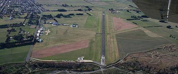 yeni zelanda masterton uçak160619.jpg