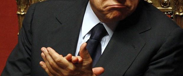 Yine Berlusconi, yine seks skandalı