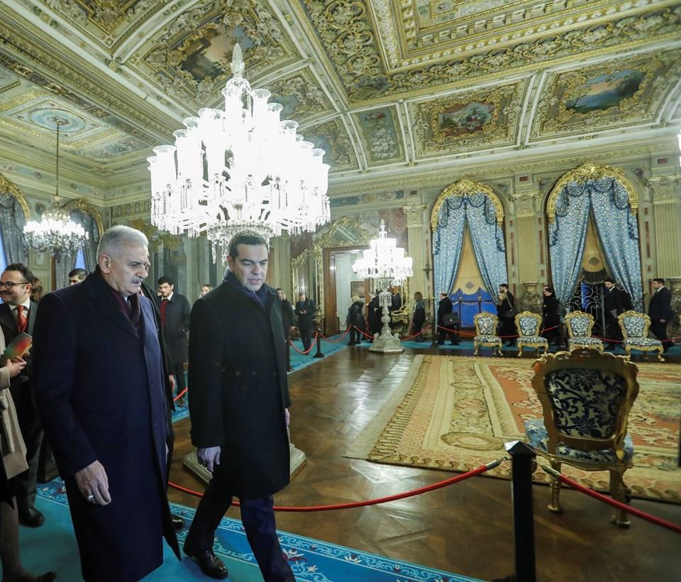 TBMM Başkanı ve İstanbul Büyükşehir Belediye Başkan Adayı Binali Yıldırım (solda), Yunanistan Başbakanı Aleksis Çipras'ı kabul etti. Baş başa görüşmenin ardından Yıldırım ve Çipras, Dolmabahçe Sarayını gezdi.