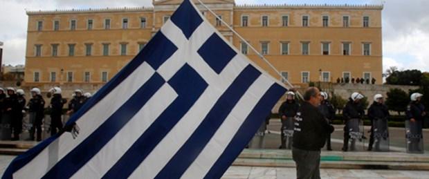 Yunanistan kemerleri daha da sıkacak