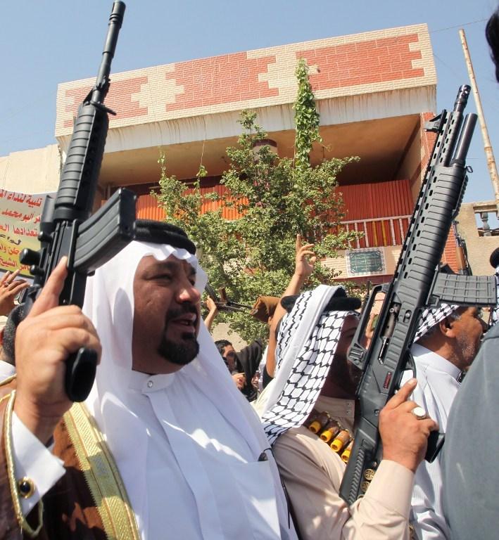 Yüzlerce gönüllü silahlarıyla başvurdu