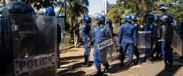 zimbabve seçim hile010818.jpg
