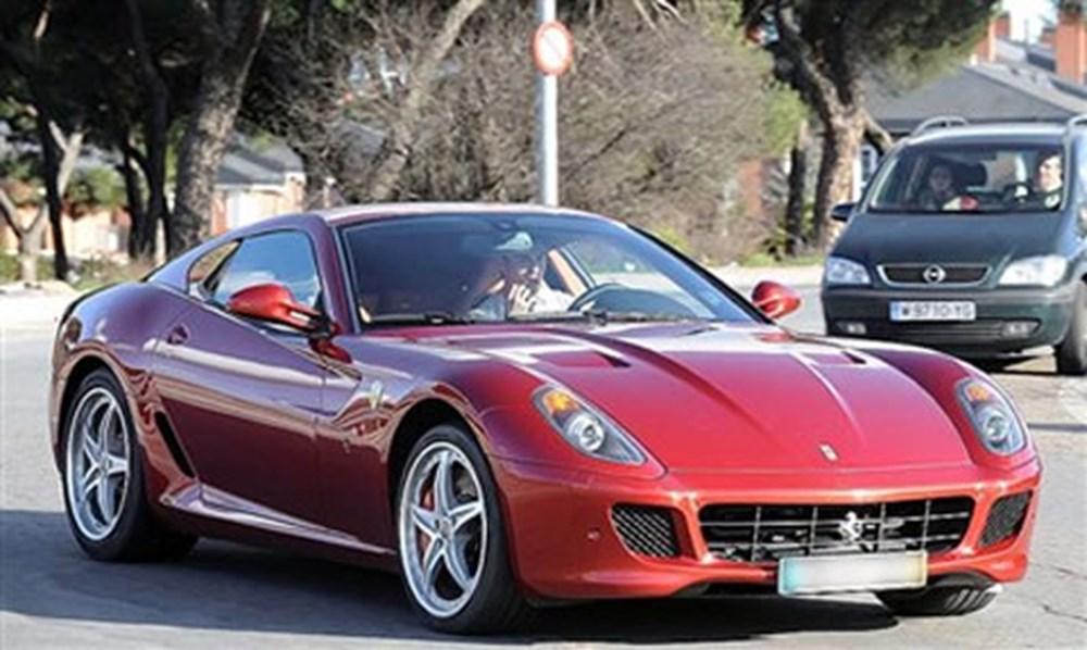 Cristiano Ronaldo dünyanın en pahalı arabasını aldı (Ronaldo'nun otomobil koleksiyonu) - 4