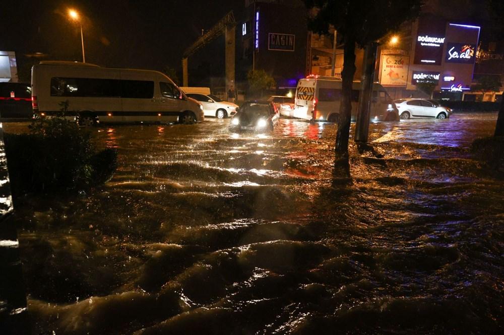İzmir'de sağanak etkili oldu - 10