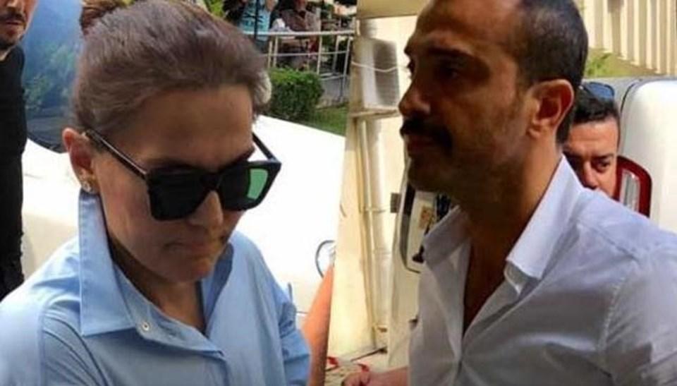 Demet Akalın ve Okan Kurt, 23 Nisan 2012 tarihinde nikah masasına oturmuştu.