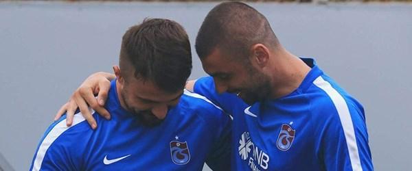SON DAKİKA: Trabzonspor, Onur Kıvrak ve Burak Yılmaz'ı süresiz olarak kadro dışı bıraktı