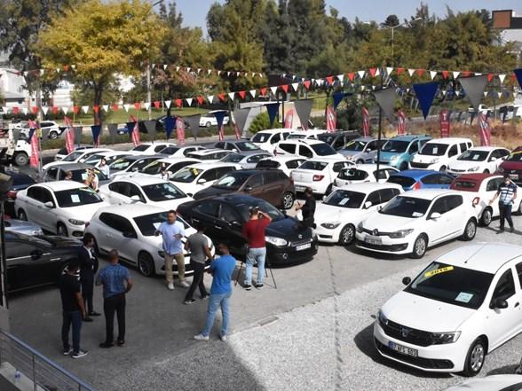 sifir otomobil ikinci el pazarinda daha pahaliya satiliyor